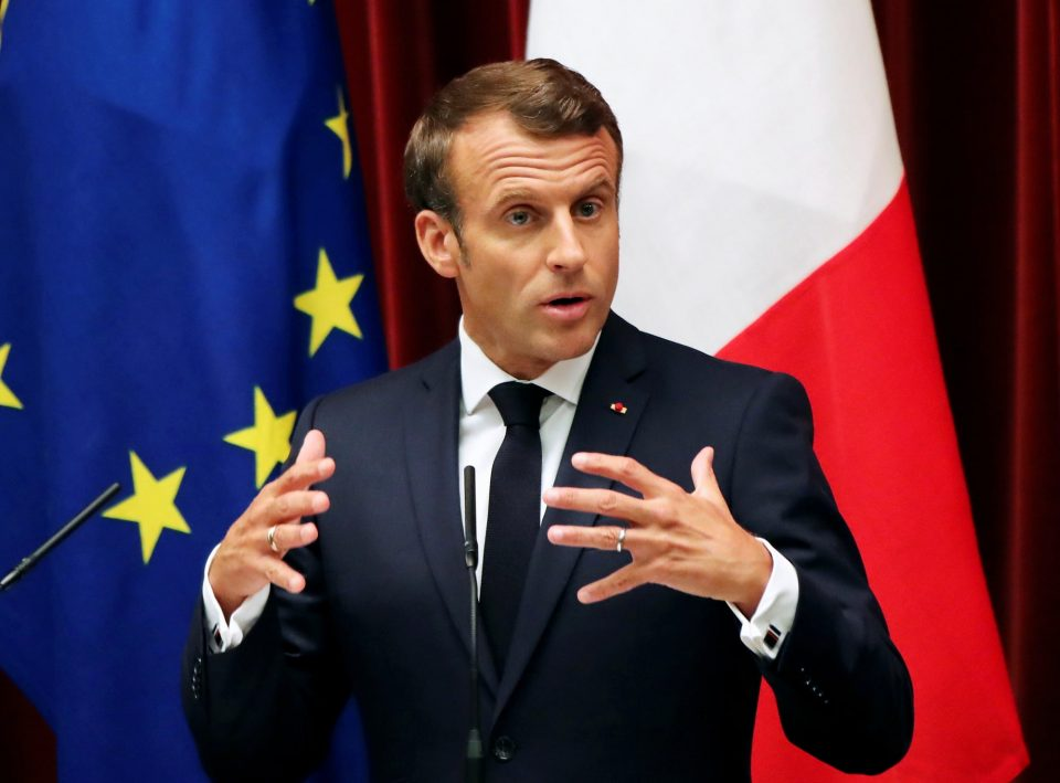 ماكرون يعلن تمديد الإغلاق الجزئي في فرنسا ويحذر من فقدان السيطرة على كورونا